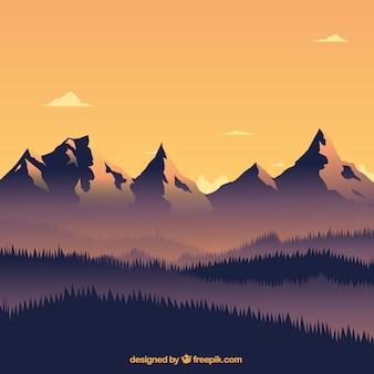 Cálido paisaje con montañas