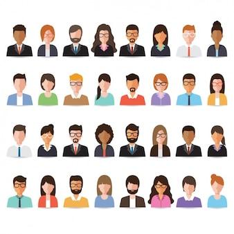 Caras de personas puestas en filas