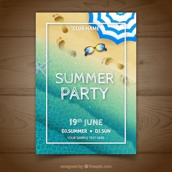 Cartel de fiesta de verano realista con huellas