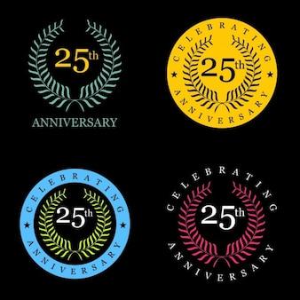 Celebración de 25 años con corona de laurel de distintos colores