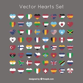 Colección de corazones con banderas internacionales