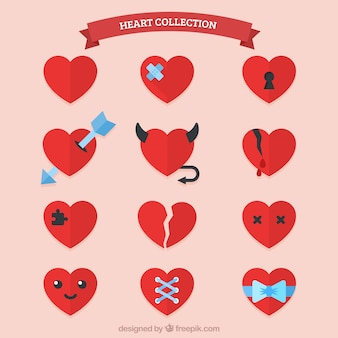 Colección de corazones rojos planos con elementos