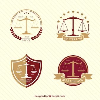 Colección de cuatro logos con balanza en diseño plano