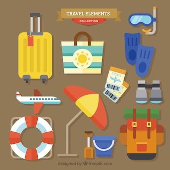 Colección de elementos de viaje de verano en diseño plano