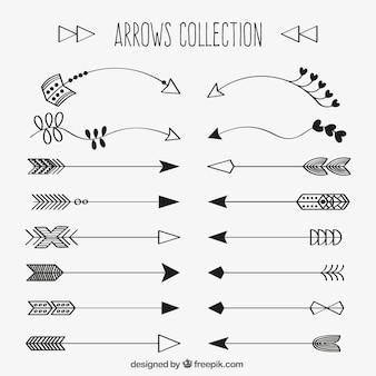 Colección de flechas decorativas dibujadas a mano