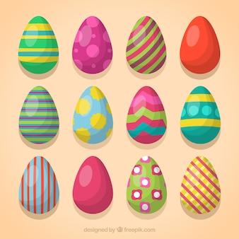 Colección de huevos de pascua de colores y diferentes diseños