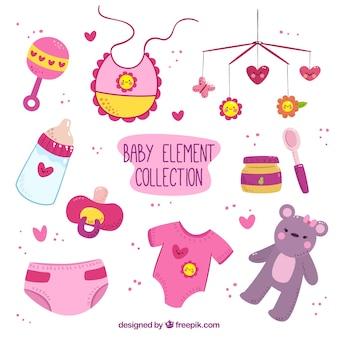 Colección dibujada a mano de artículos de bebé morados y rosas con detalles amarillos