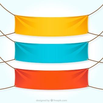 Coloridas pancartas textiles