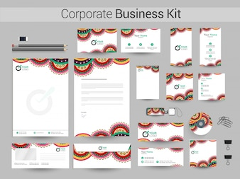 Conjunto artístico empresarial corporativo con diseño floral.