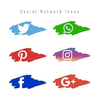 Conjunto de iconos de redes sociales con pinceladas de pintura