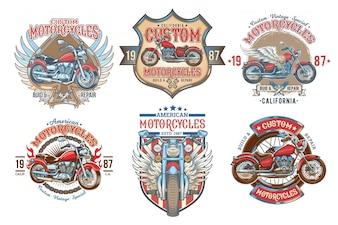 Conjunto de vectores de color vintage insignias, emblemas con una motocicleta personalizada
