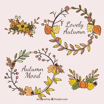 Coronas florales de  otoño dibujadas a mano