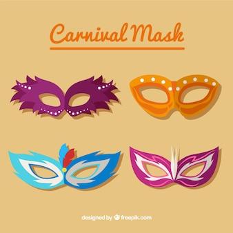 Cuatro máscaras de carnaval