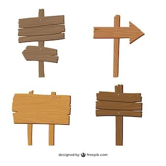 Cuatro señales de madera