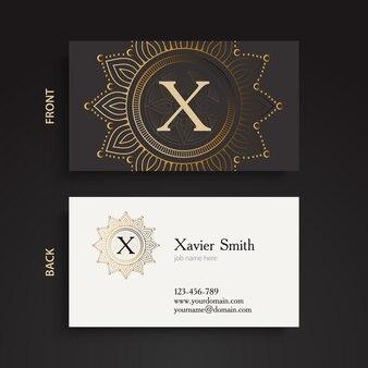 Decorativa tarjeta de visita con marcos ornamentales