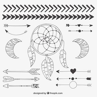 Dibujado a mano elementos tribales
