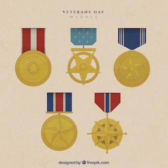 Diferentes medallas para el día de los veteranos