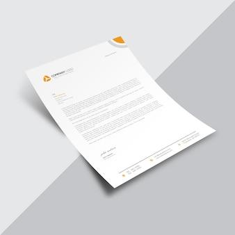 Documento de negocios blanco con detalles naranjas