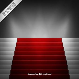 Escaleras con una alfombra roja