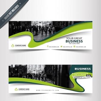 Estilosos banners de negocios con líneas onduladas verdes
