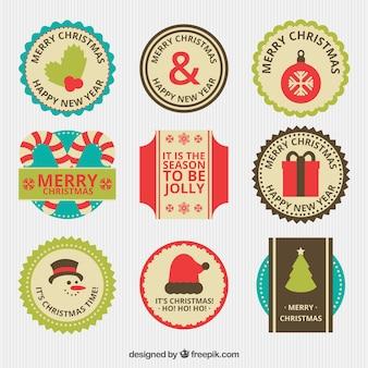 Etiquetas coloridas con elementos navideños