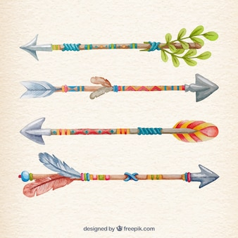 Flechas de colores en el estilo pintado a mano