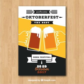 Folleto de oktoberfest con brindis de cerveza