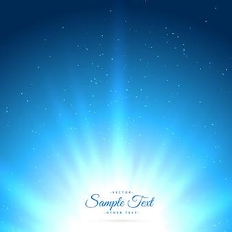 Fondo azul con rayos de sol que brillan intensamente