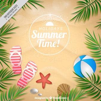Fondo de arena con elementos de verano y hojas de palmeras