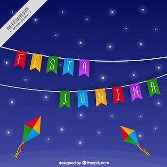 Fondo de cielo nocturno con guirnalda de fiesta junina