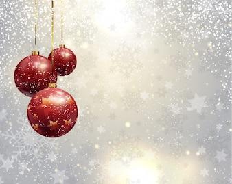 Fondo navideño plateado con bolas de navidad rojas