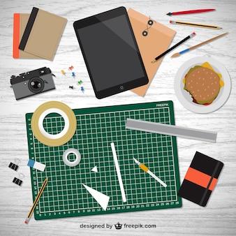 Herramientas realistas de diseñador en escritorio
