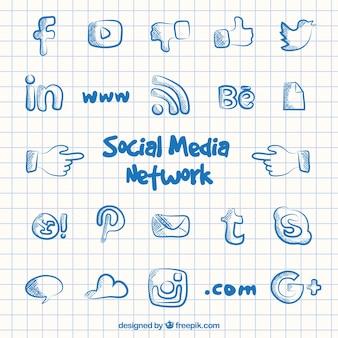 Iconos de red de medios sociales en estilo garabato