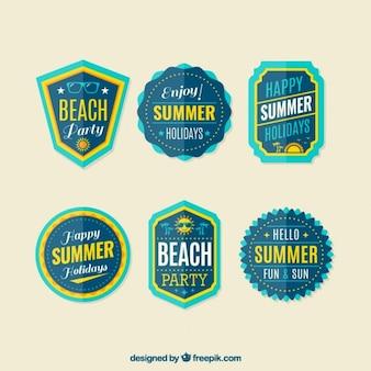 Insignias azules de fiesta en la playa