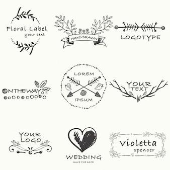 Insignias dibujadas a mano sobre temas de amor