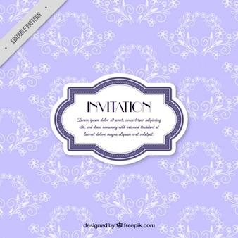 Invitación morada vintage con detalles florales