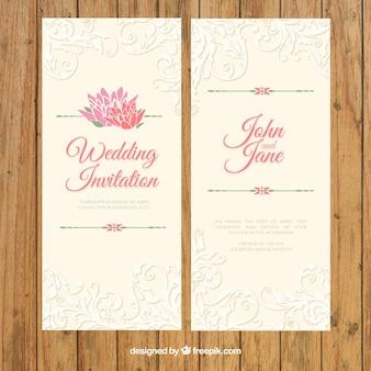 Invitación vintage elegante de boda con detalles ornamentales