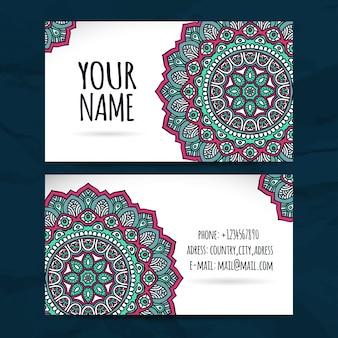 Linda tarjeta de visita estilo de mandala