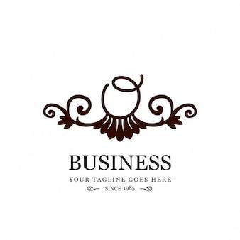 Lindo logotipo ornamental con la letra o