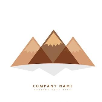 Logo con tres montañas