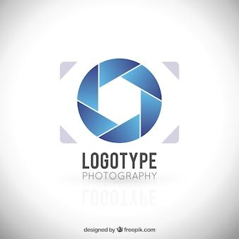 Logo minimalista de cámara