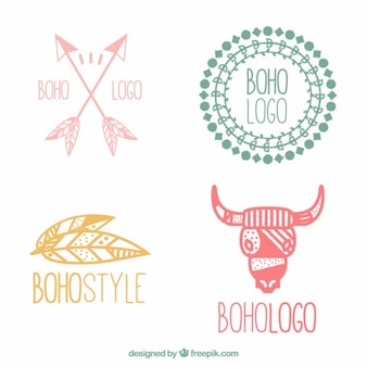Logotipos boho de colores dibujados a mano
