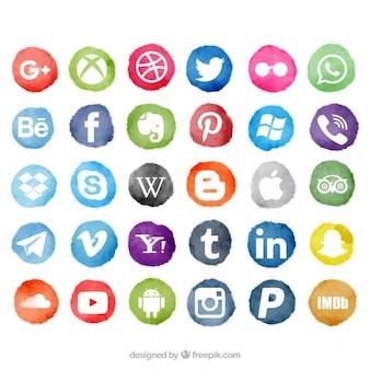 Los medios sociales con manchas de acuarela