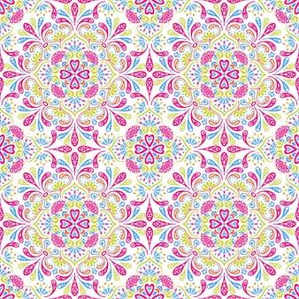 Mosaico floral con detalles rosa