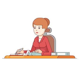 Mujer de negocios que calcula sus gastos