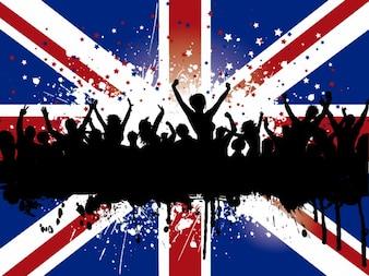 Multitud desenfadada en un fondo de bandera británica