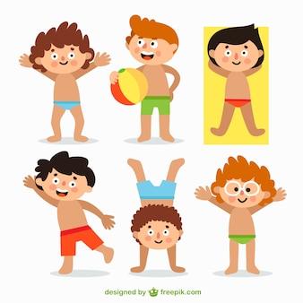 Niños con trajes de baño
