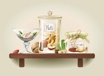 Nueces en frascos de vidrio en estante de madera