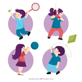 Pack plano de niños jugando a diferentes deportes