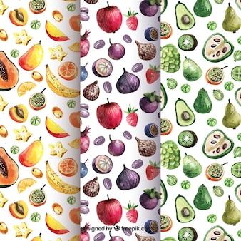 Patrones de acuarela con variedad de piezas de fruta